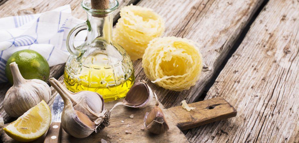 полезные масла, via shutterstock
